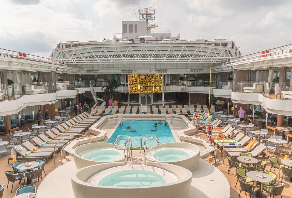 Los buques cuentan con todo tipo de lujos