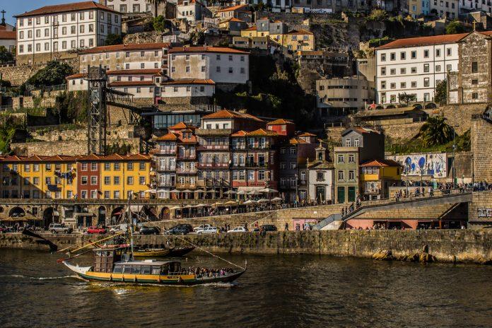 El encantador barrio de La Ribeira