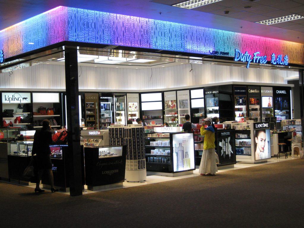 vista de una tienda en el aeropuerto