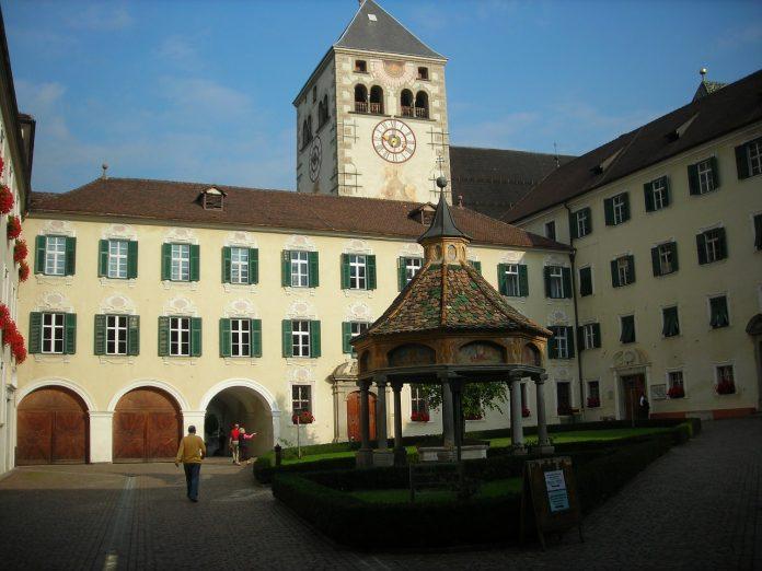 Centro de Bolzano en donde tiene lugar el mercado navideño