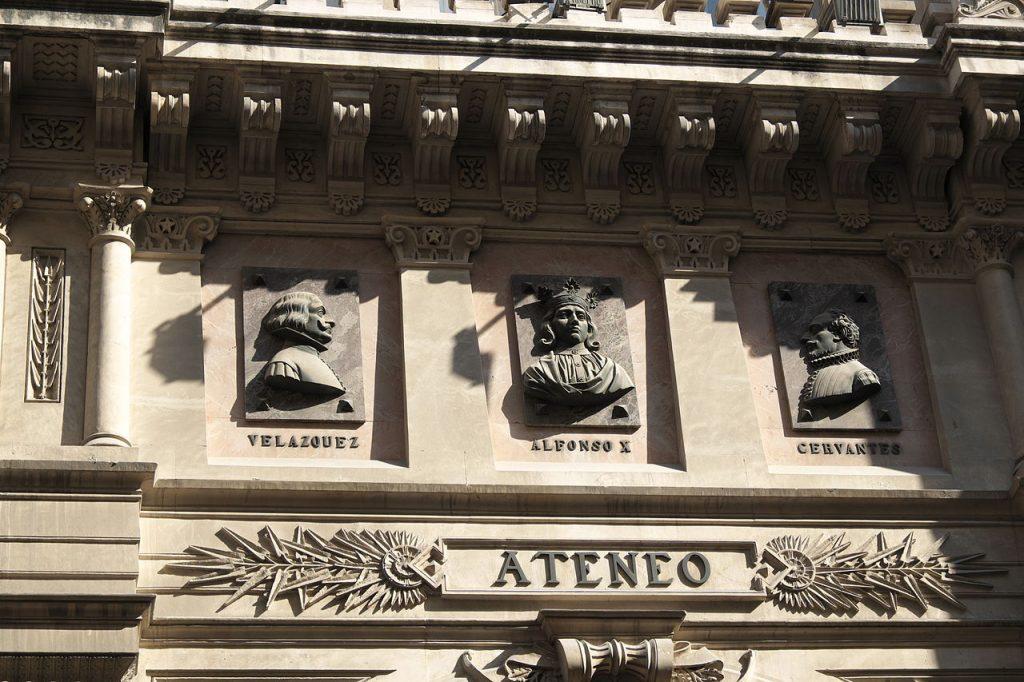 detalle fachada ateneo de madrid
