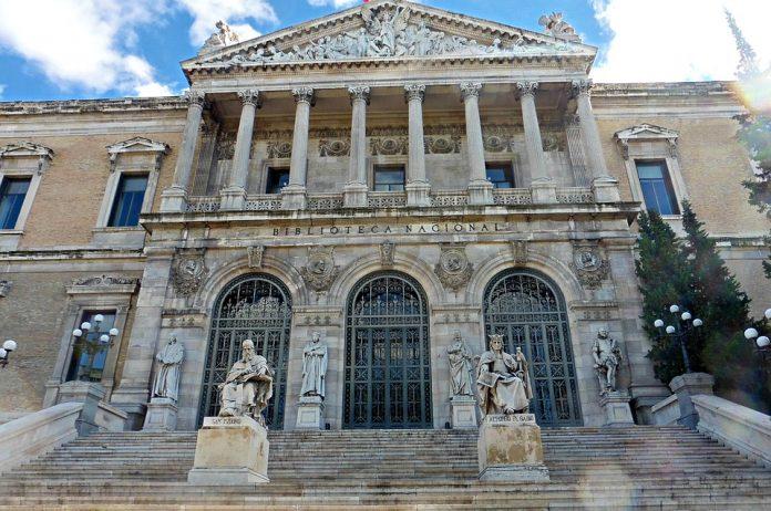 fachada biblioteca nacional madrid