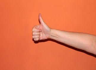 10 gestos que no deberías hacer cuando viajas