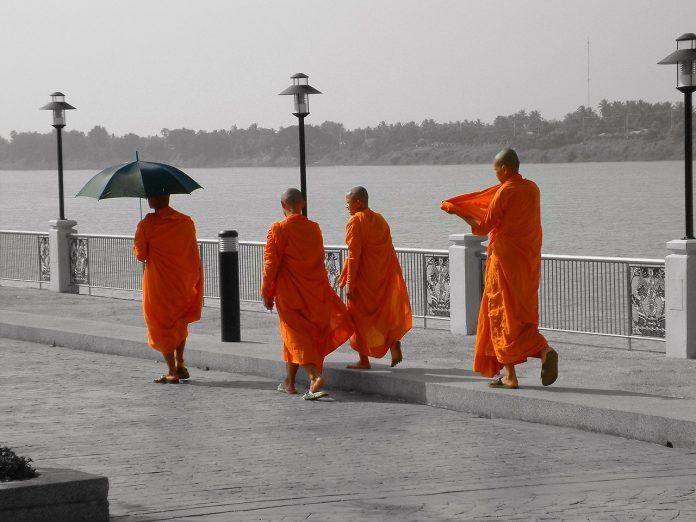Monjes budistas en Tailandia