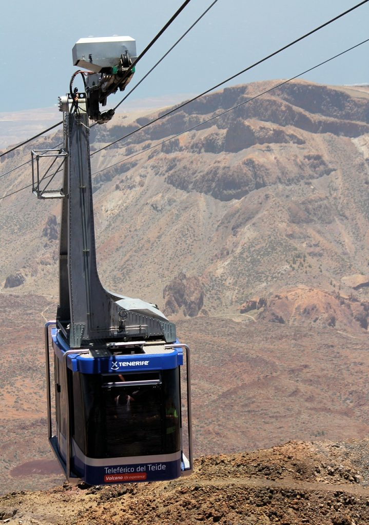Aunque el teleferico no es un transporte público en Tenerife a los turistas les encanta