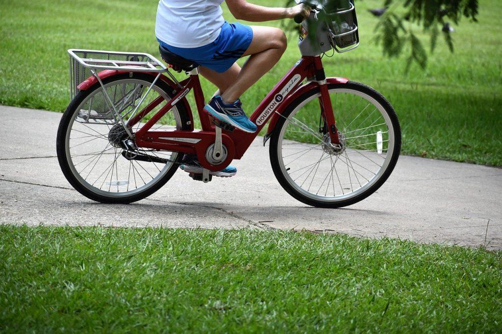 Recorre Benidorm en bicicleta en familia