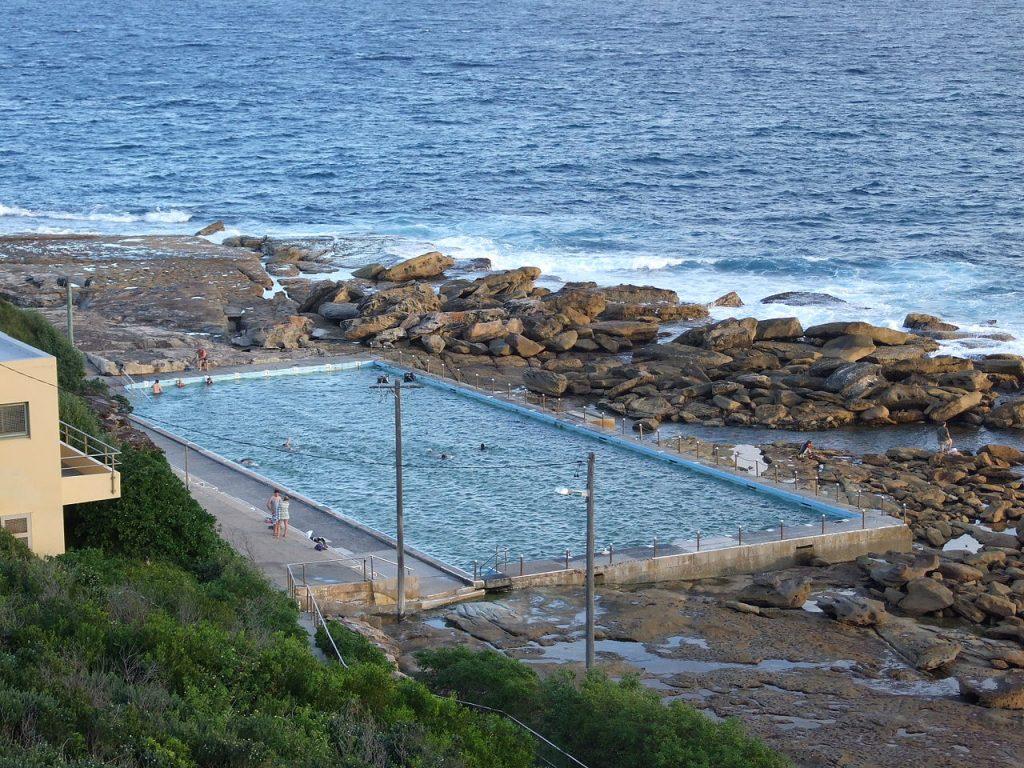 Freshwater swimming pool