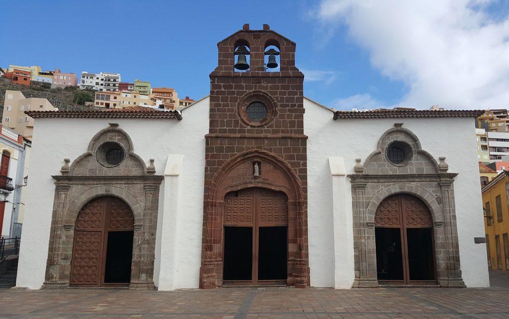 Monumento en San Sebastián de la Gomera en Islas Canarias