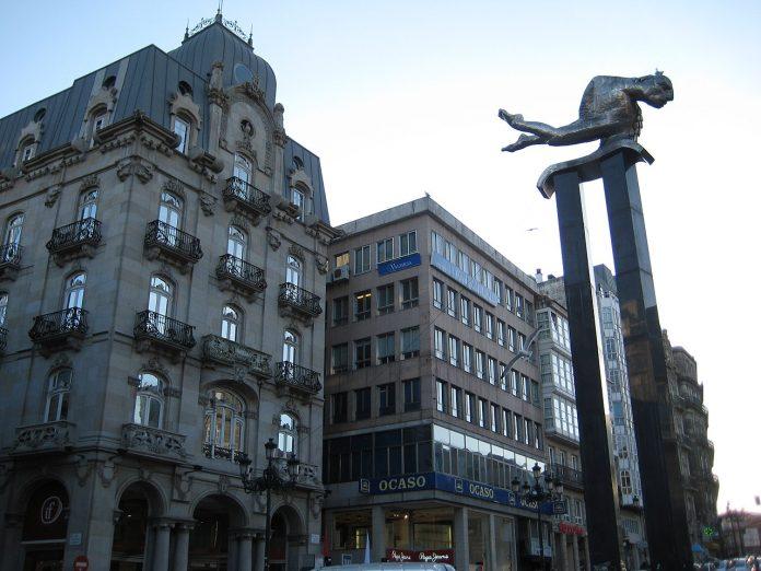 Escultura de El Sireno en Vigo