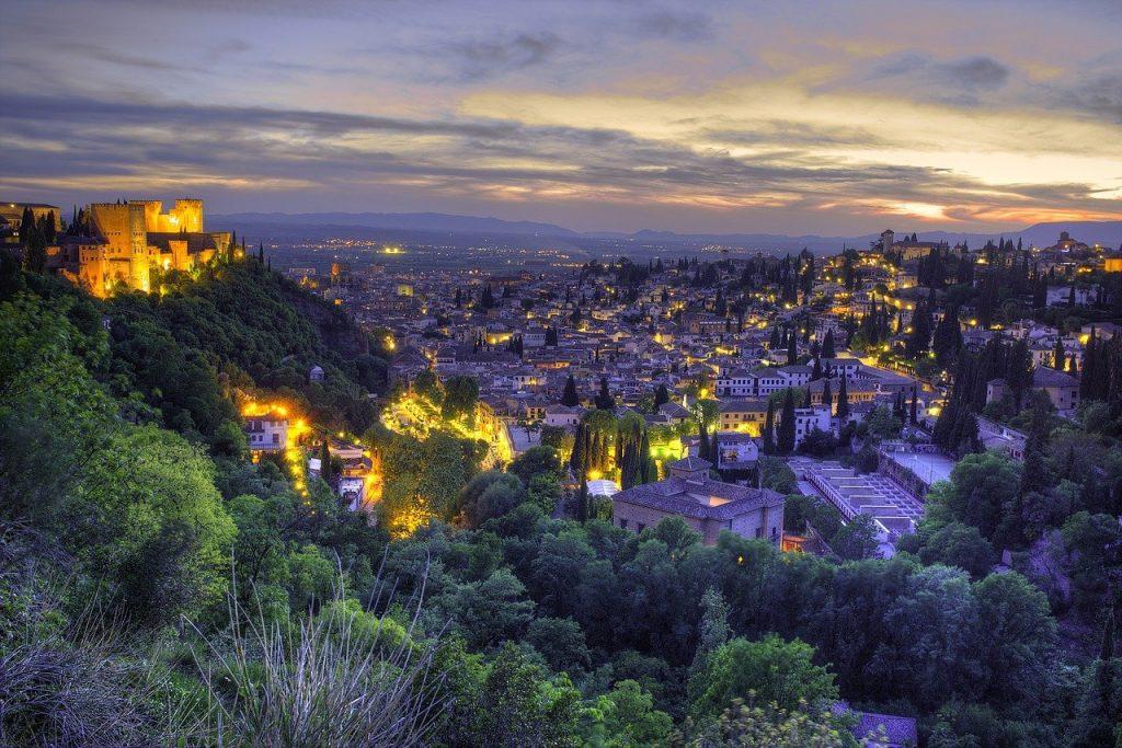 Dónde aparcar en Granada - Descubrir