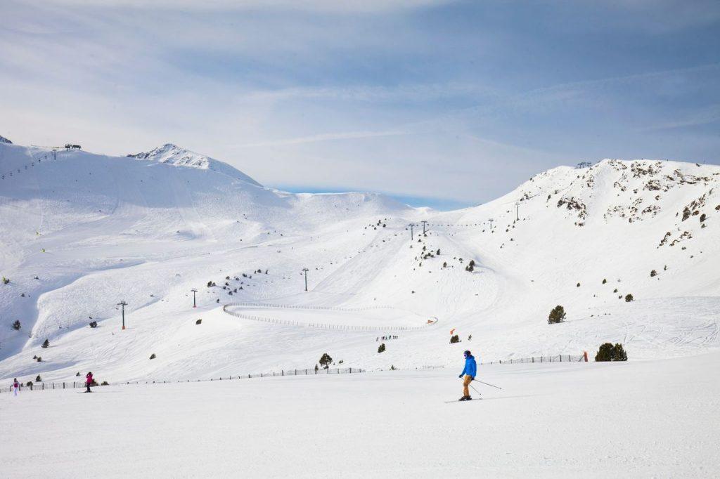 Andorra abre las pistas de esquí para los residentes - Descubrir