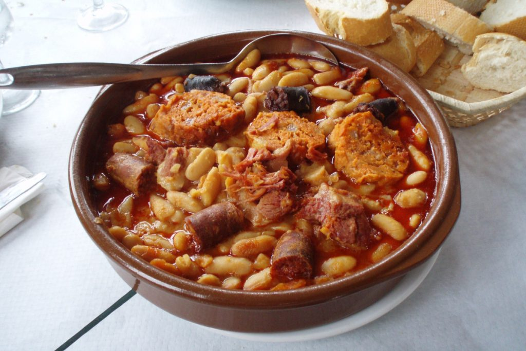 La historia de la fabada asturiana - Descubrir