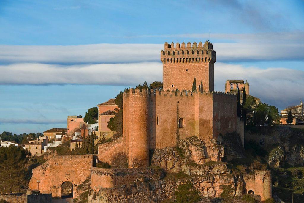 Alarcón, historia medieval y naturaleza en Cuenca - Descubrir