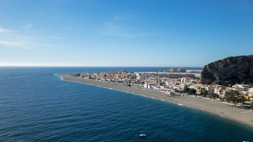 Las mejores playas de Granada - Descubrir