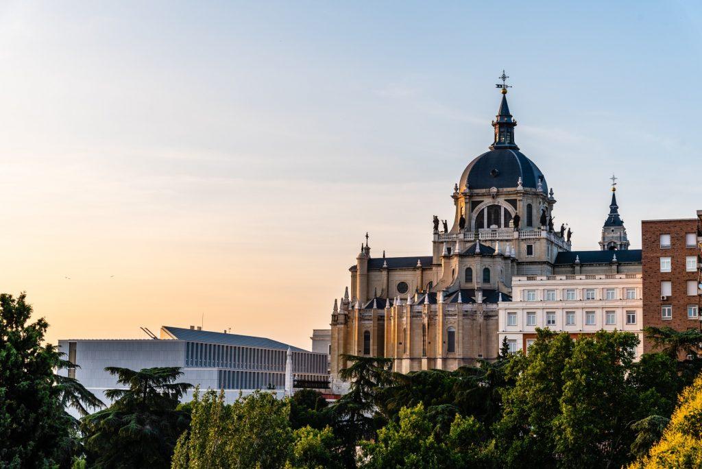 Descubre las 4 iglesias más bonitas de Madrid - Descubrir