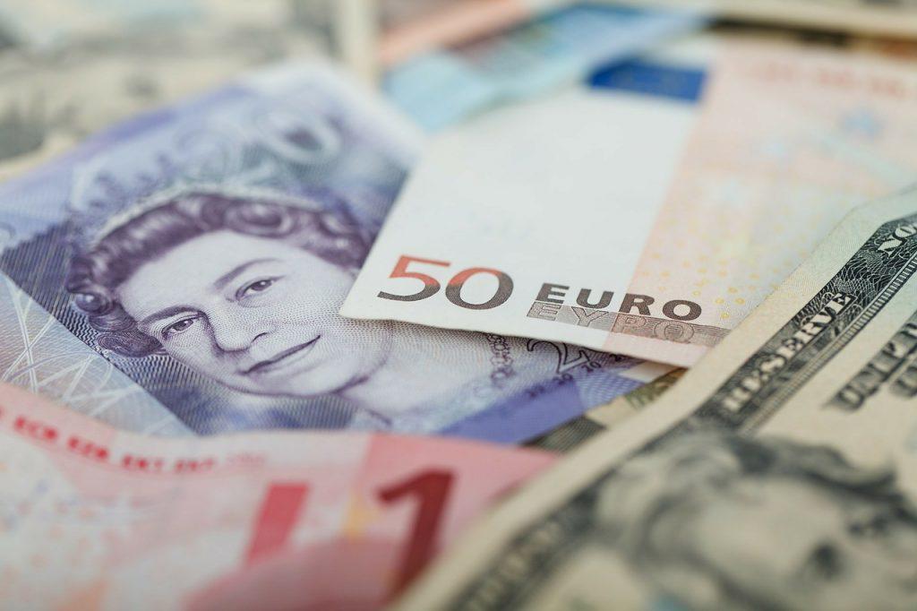 Cómo conseguir monedas de otro país antes de nuestro viaje - Descubrir